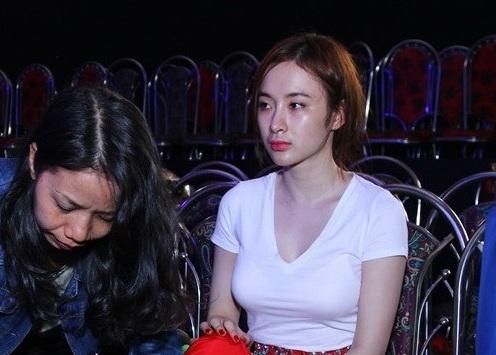 Angela Phương Trinh mắt sưng húp vì tình ái Chiêm Quốc Thái