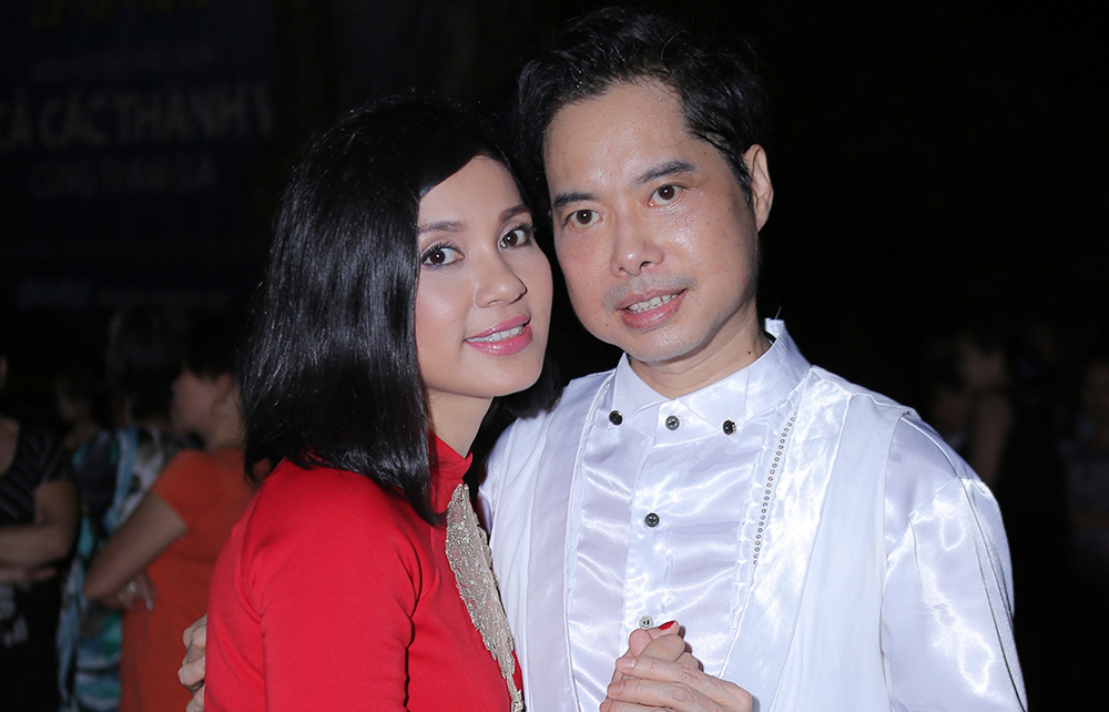 Ngọc Sơn tái xuất làm từ thiện cùng Việt Trinh