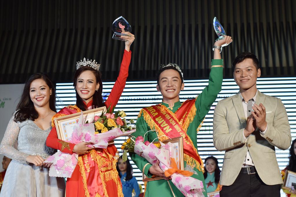 Hoa khôi Nguyễn Thùy Thủy Tiên xuất sắc đoạt 3 giải thưởng cùng lúc