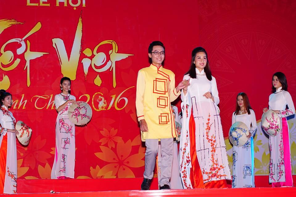 NTK Nguyễn Chí Toại với bộ sưu tập áo dài hoa xuân
