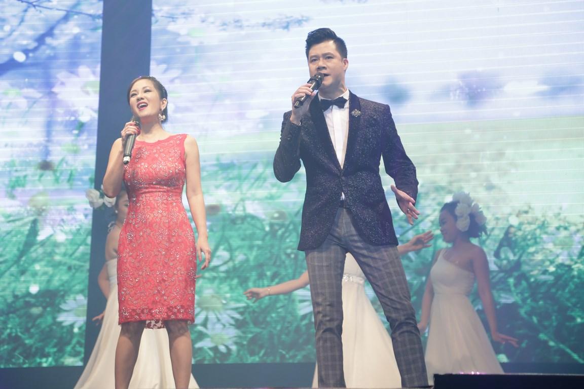 Quang Dũng, Hồng Nhung chạm đến rung cảm yêu thương của khán giả với Phố tình ca