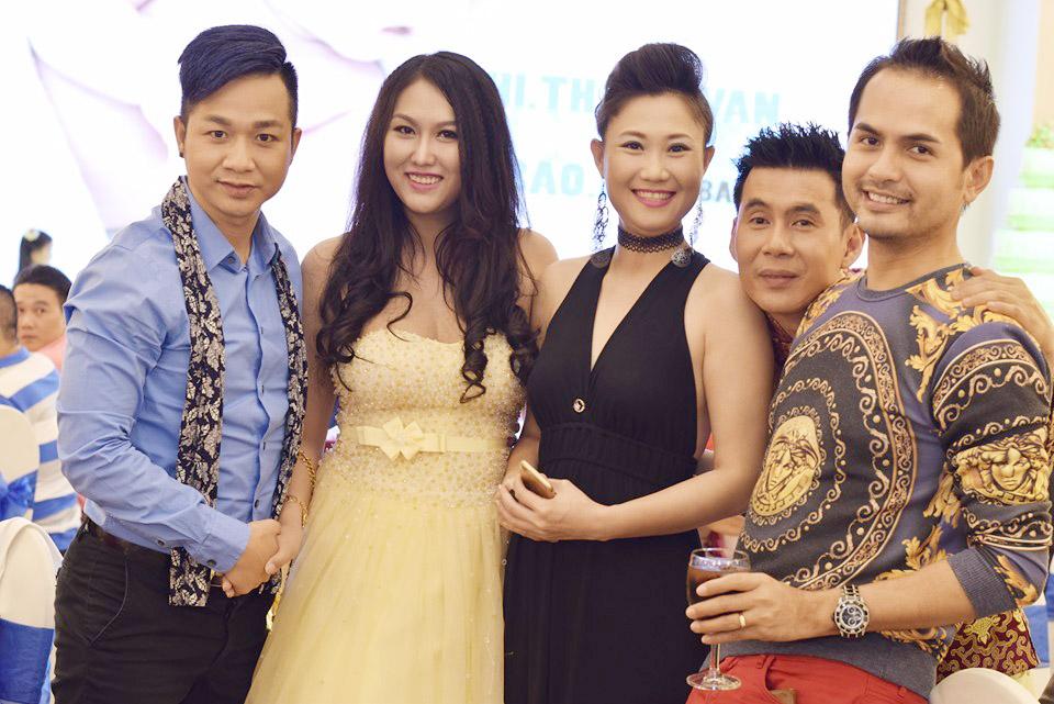 Ảnh đời thường của sao Việt qua Facebook ngày 13/3