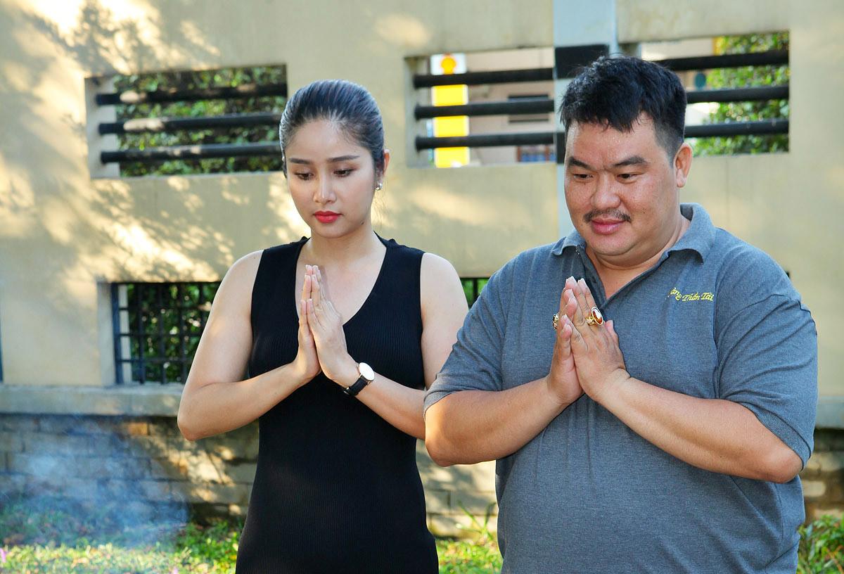 """Hoàng Mập, Thảo Trang tham gia bấm máy phim truyền hình """"Vực thẳm chiều trôi"""""""