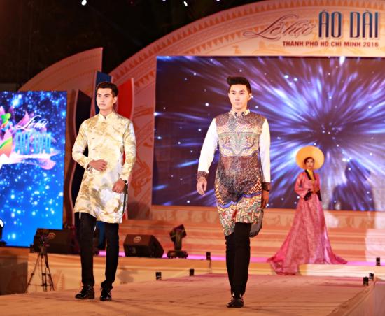 Bộ 3 siêu mẫu Nam Phong, Trịnh Xuân Nhản, Thoại Tiên tự tin giữ vai trò Vedette trong lễ hội áo dài - Ảnh 4