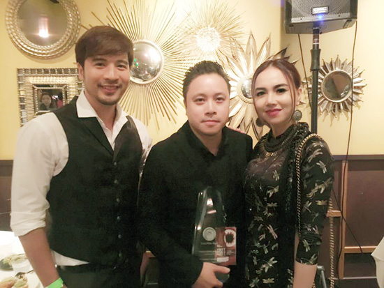 Ảnh đời  thường của sao Việt qua facebook ngày 17/4