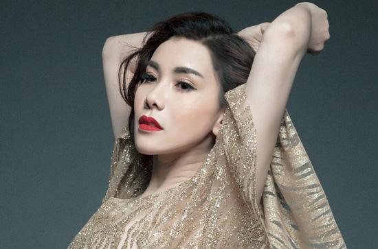 Linh Phương tung bộ ảnh mới khoe bờ môi gợi cảm