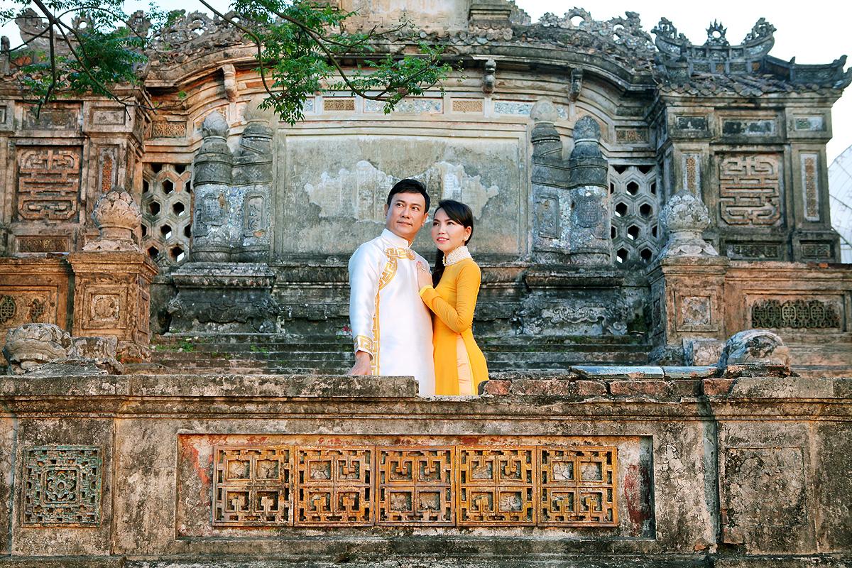 Hoàng Phúc cùng bà xã Uyên Phương thăm cảnh đẹp tại Huế