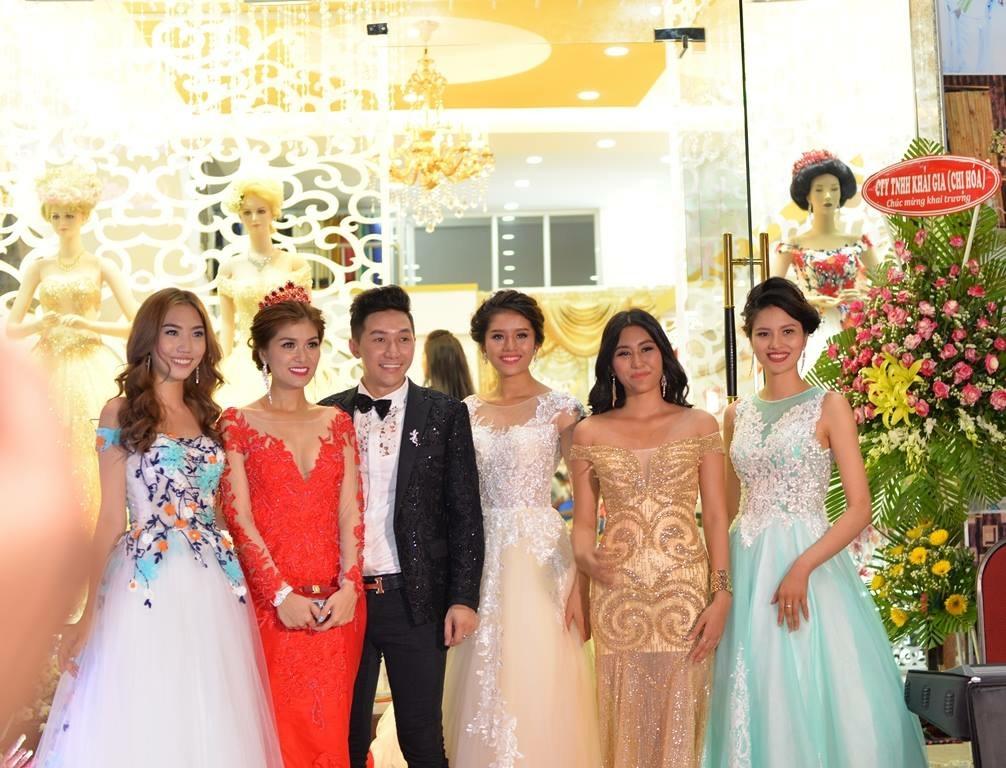 Dàn sao Việt tại lễ khai trương thương hiệu áo cưới Thế Giới Đẹp.