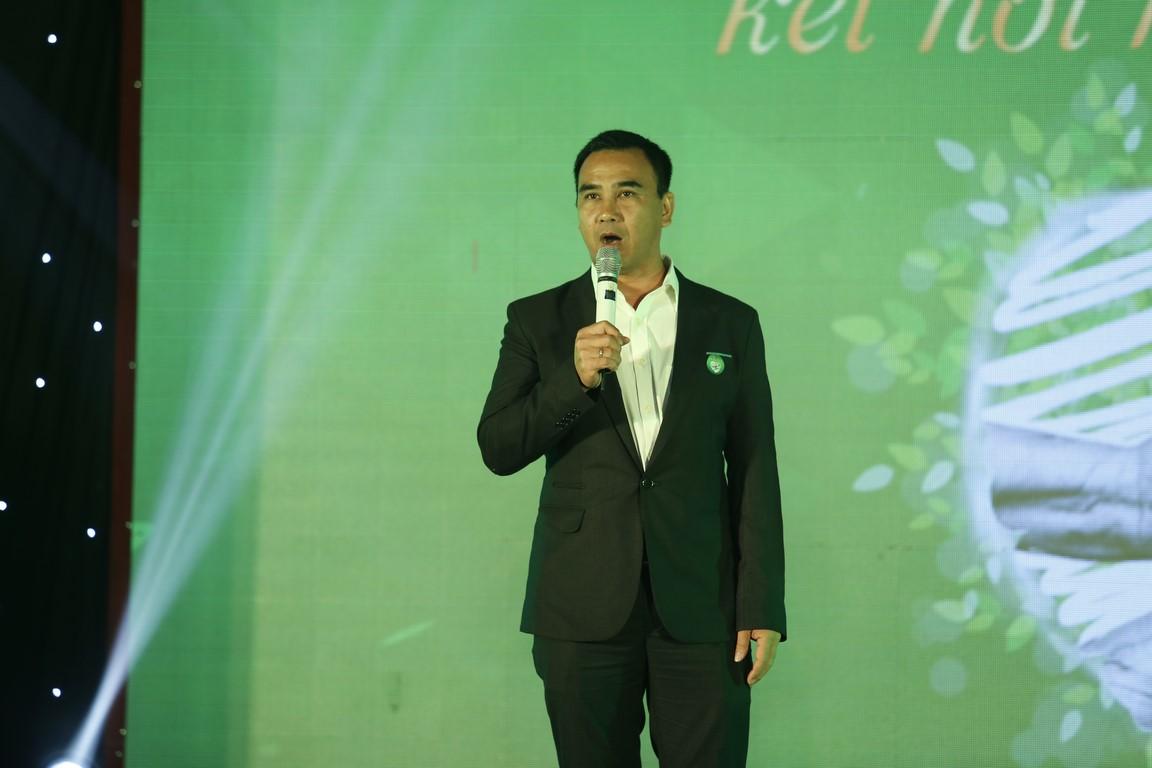 Quyền Linh kêu gọi quyên góp được gần 2 tỉ đồng trong đêm Gala Tiếp sức hồi sinh