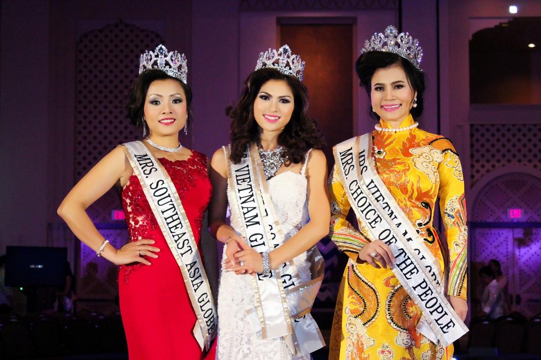 Hoàng Thị Thanh Mai xuất sắc đoạt Hoa Hậu Phu Nhân Trái Đất Người Việt Houston 2016.