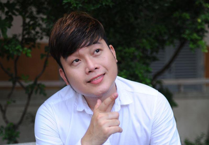 """Khán giả yêu thích MV """"Ký Ức Màu Hoa Phượng"""" của ca sĩ Khánh Bình"""