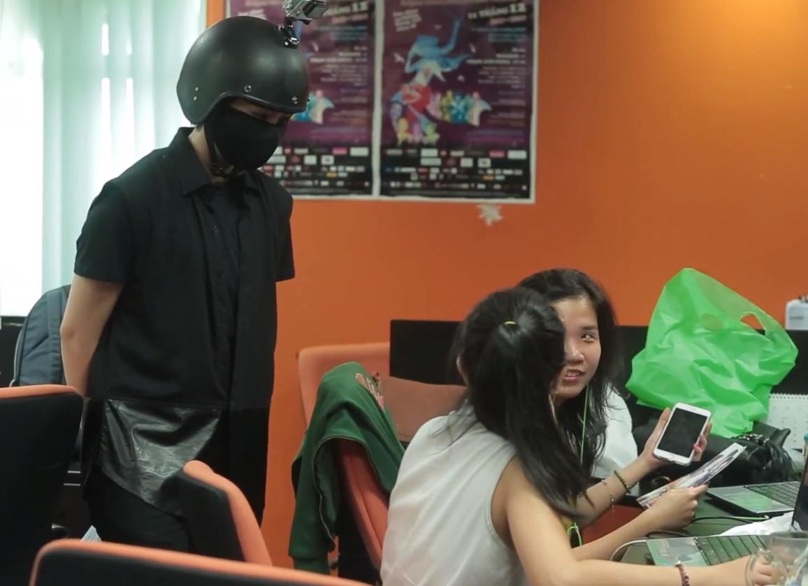"""Gil Lê ôn lại kỷ niệm với đạo diễn lúc đóng phim """"Yêu"""" cùng Chi Pu"""