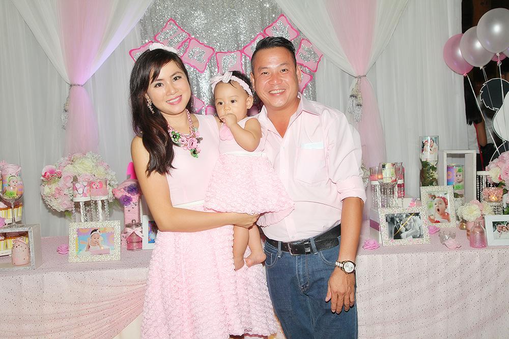 Quyền Lộc làm tiệc hoành tráng mừng công chúa nhỏ vừa tròn 1 tuổi