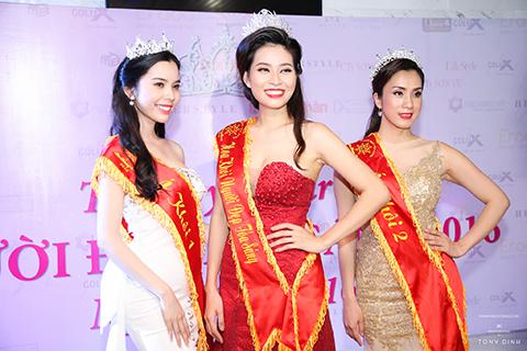 Hoa khôi tỏa sáng đấu giá thành công gần 100 triệu tại Thank You Party