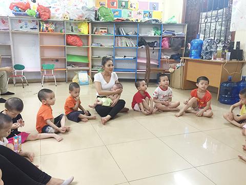 Cục Nghệ thuật Biểu diễn  không phạt Thái Nhã Vân về hoạt động thi chui