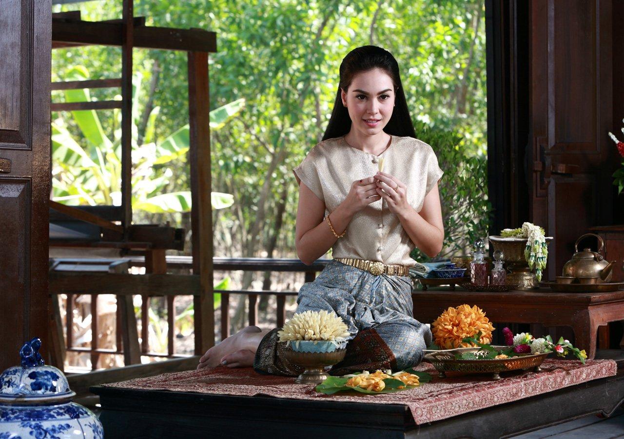 Ngỡ ngàng trước vẻ đẹp lai đầy mê hoặc của mỹ nhân Thái