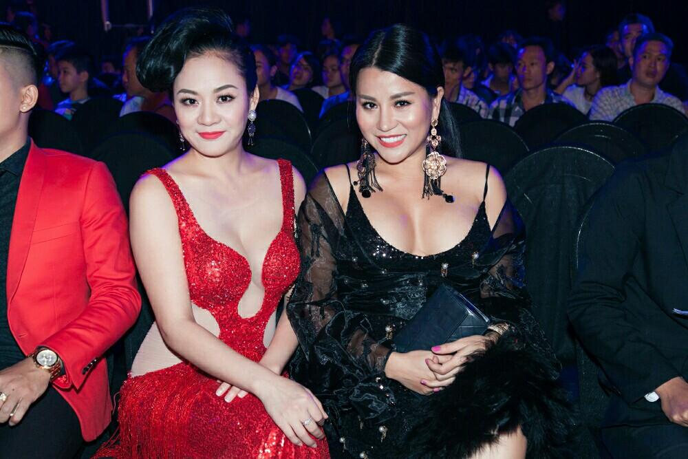 Nữ ca sĩ hải ngoại Khánh Di hào hứng hội ngộ Á hậu Quỳnh Mai.