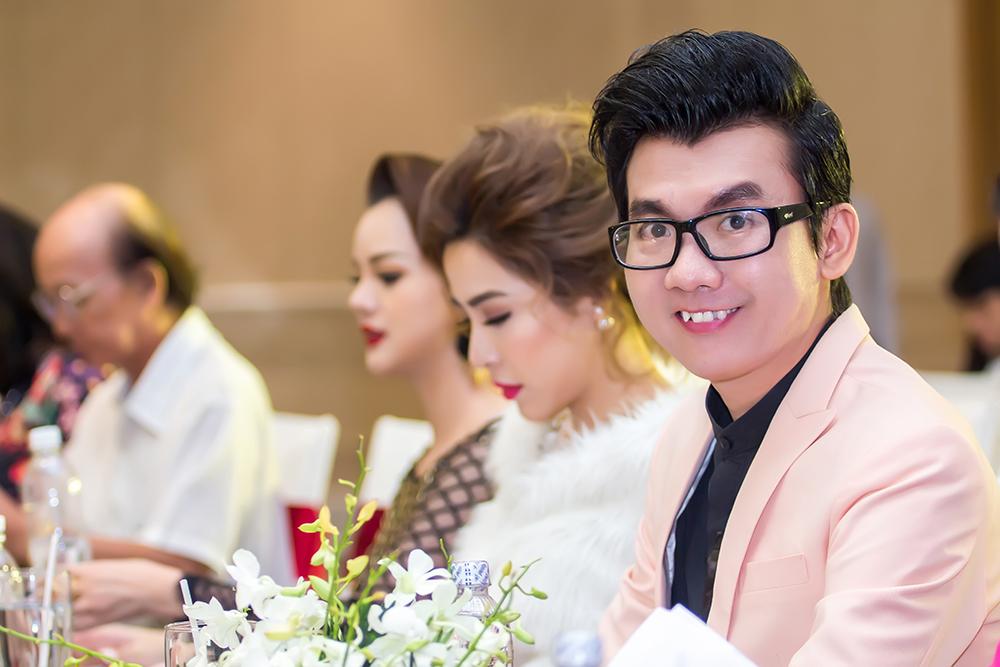 Á vương, bác sỹ Ký Quốc Đạt đi tìm Hoa hậu điện ảnh 2016