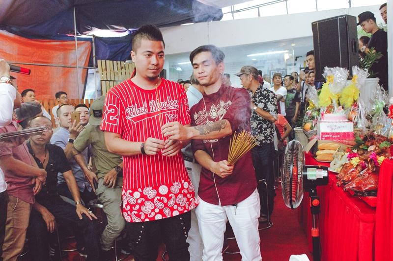Wang Trần cùng hàng trăm DJ ăn mừng Giỗ Tổ ngành sân khấu