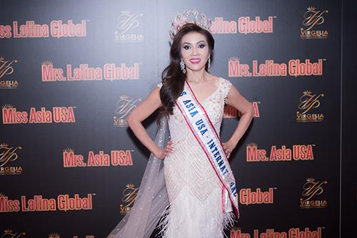 Ngắm giây phút đăng quang hoa hậu Mrs Asia quốc tế tại Mỹ của Britney Châu Nguyễn.