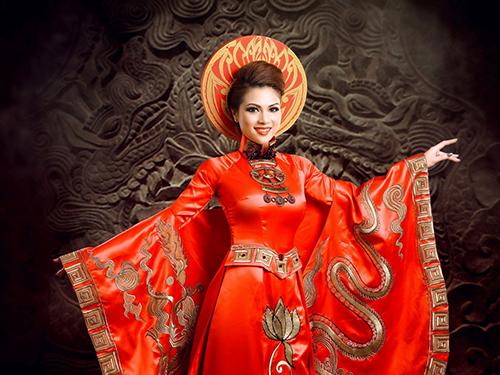 Phạm Thiên Trang đem hình tượng Thái Hậu Dương Vân Nga đến Hải Nam
