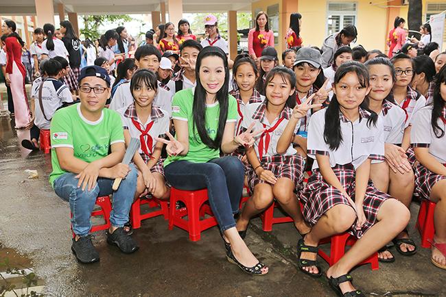 """Trịnh Kim Chi tích cực tham gia chương trình """"Gắn kết yêu thương"""""""