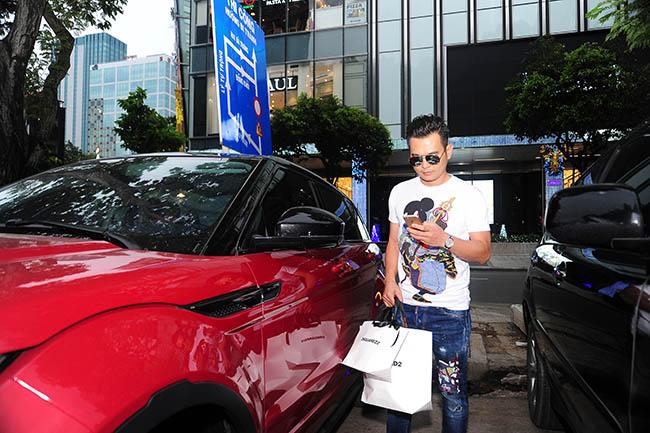 Lâm Hùng tự thưởng xe 3 tỷ sau khi trở lại với âm nhạc