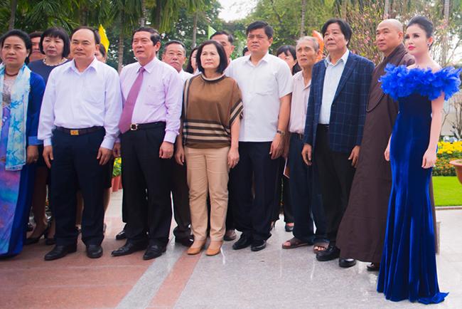 Hoa hậu Janny Thủy Trần được ngợi khen từ các lãnh đạo về những hoạt động từ thiện