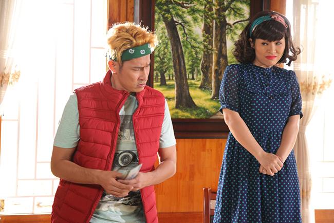Huy Khánh có nhiều màn tung hứng với danh hài Kiều Linh