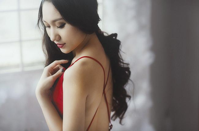 Cao Mỹ Kim khoe vẻ đẹp trong veo trong loạt ảnh mới