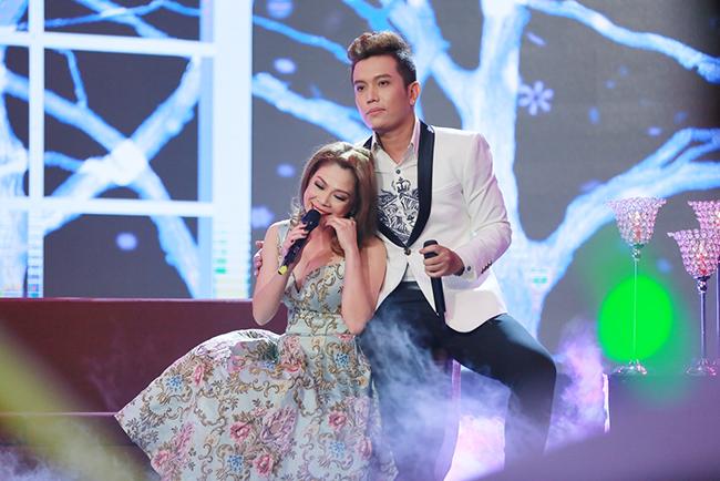 """Hùng Tiến cùng Thanh Thảo đốt cháy sân khấu """"Trời sinh một cặp"""""""