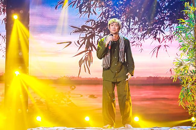Hồ Việt Trung hóa thân thành ông lão U60 đợi người yêu