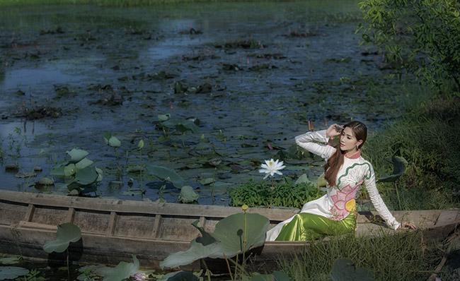 Hoa khôi Hoàng Hạnh hào hứng đến với đấu trường nhan sắc châu Á