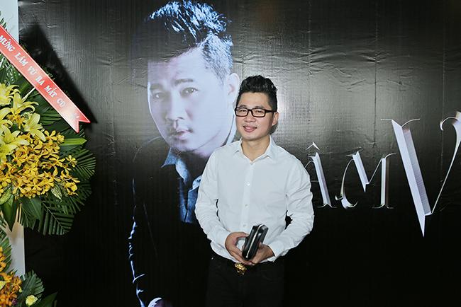Lâm Vũ ra mắt cùng lúc 2 album trong tiệc tri ân