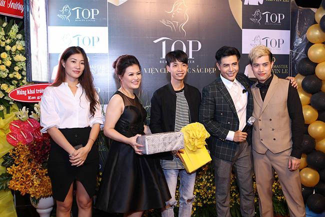 Dàn sao Việt chúc mừng Master Kevin Lê khai trương TOP Beauty center