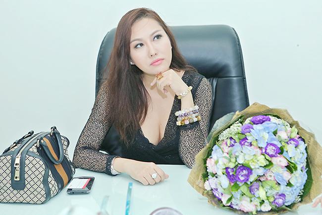 Phi Thanh Vân luôn xinh đẹp và gợi cảm khi xuất hiện
