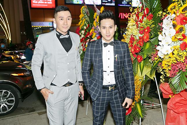 Nguyên Vũ, Nam Phong gây chú ý tại sự kiện bởi gương mặt soái ca