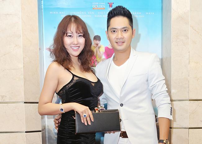 Minh Luân cặp kè Phi Thanh Vân đi xem phim Xóm Trọ 3D