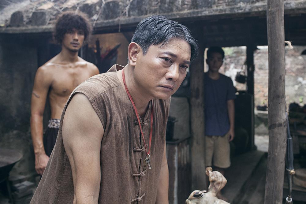 Uyên Phương ủng hộ chồng đóng cảnh nóng trong phim 'Đảo của dân ngụ cư'.