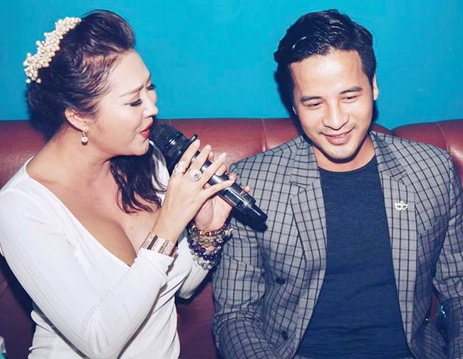 Ảnh đời thường qua Facebook của Sao Việt ngày 18/8