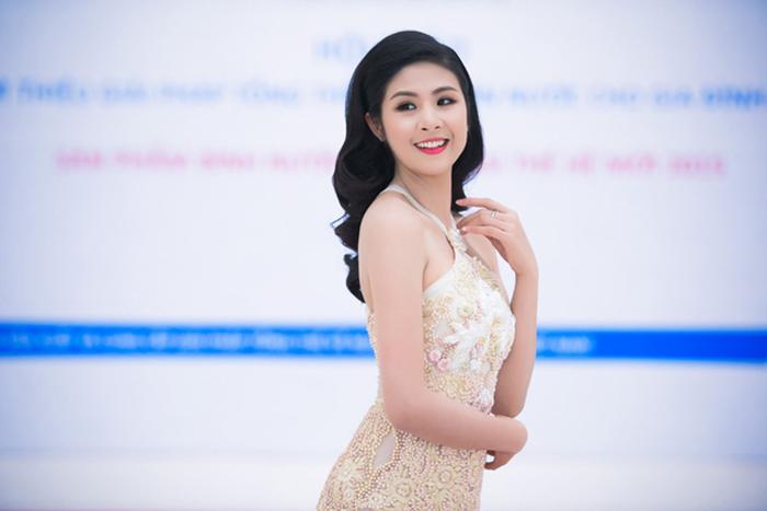 Ngọc Hân làm giám khảo chấm thi Ms Universe Business 2017