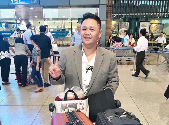 Bắt gặp Minh Béo ngoài sân bay cho chuyến lưu diễn 9 nước Châu Âu