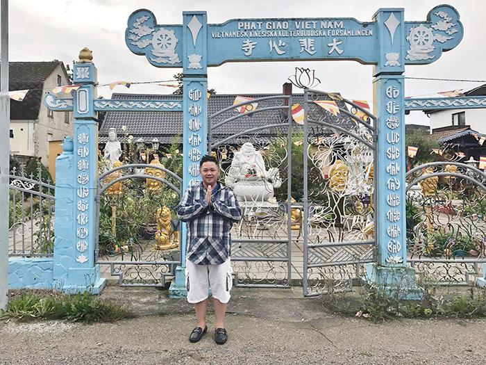 Minh Béo bất ngờ xuất hiện tại chùa Việt Nam ở Thuỵ Điển