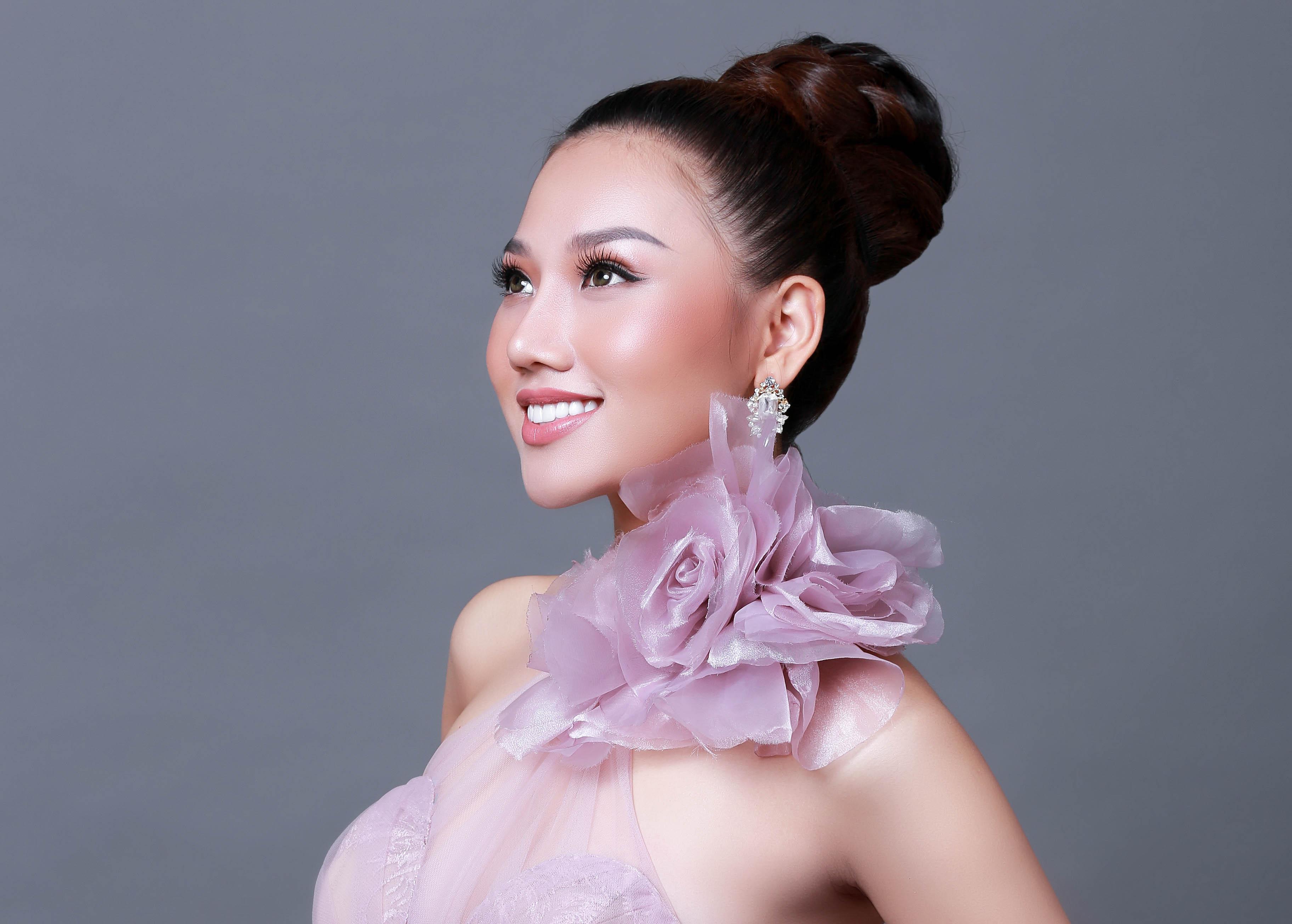 Lộ diện người kế nhiệm Hoa hậu Ngọc Duyên sang Hàn Quốc dự thi Nữ hoàng Sắc đẹp Toàn cầu 2017