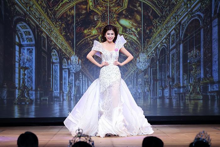 Lâm Hải Vi xuất sắc đăng quang Hoa hậu Doanh Nhân Hoàn Vũ 2017