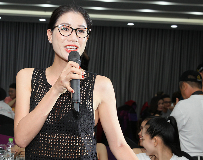 """Trang Trần bất ngờ đến Đà Nẵng ủng hộ thí sinh """"Nữ hoàng Doanh nhân Đất Việt"""""""