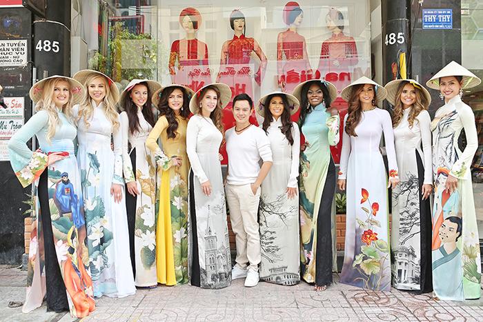 10 Hoa hậu Hòa Bình náo nức thử áo dài Ngô Nhật Huy