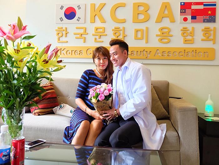 """Người mẫu nội y Nguyễn Xuân Trường : tưng bừng khai trương KCBA SPA tuổi 18 """""""