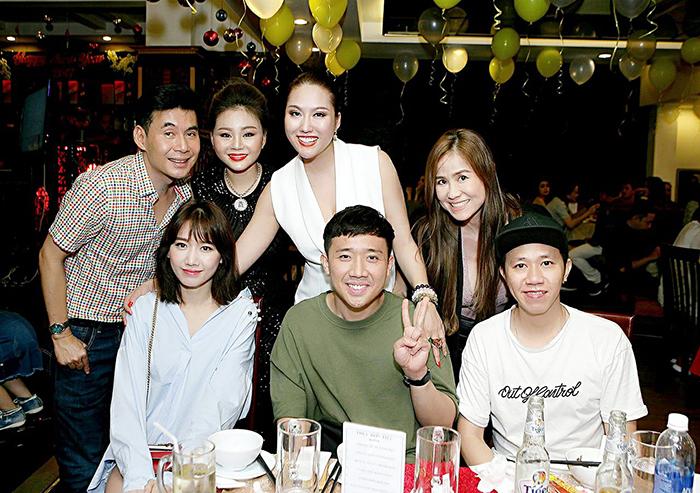 Ảnh đời thường qua Facebook Sao Việt ngày 8/11