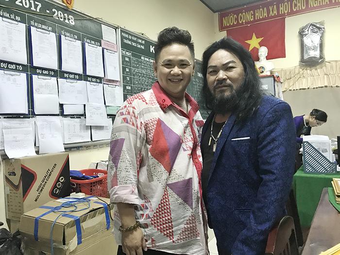 Sân Khấu Sao Minh Béo cùng nghệ sỹ tiếp sức đến trường